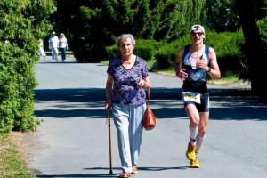 脚掌上部肌肉肿胀的原因肌肉肿胀的预防方法